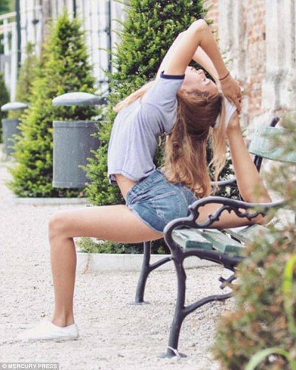 """""""反重力""""美女成实力网红 分分钟秀高难度瑜伽"""